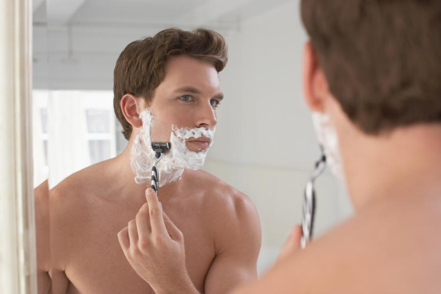 Troubleshooting shaving issues such as cuts, poor lather, and Improper technique 1